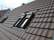 Steildach Aschwanden AG Bedachungen Nänikon Uster Roto Wohraumdachfenster Dachfenster Velux Hanspeter Sahli farbbeschichtet